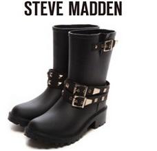 スティーブマデンのブーツ